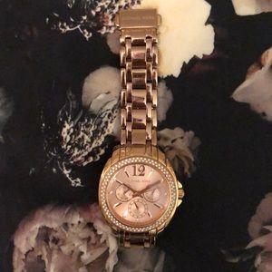 Michael Kors Oversized watch, rose gold